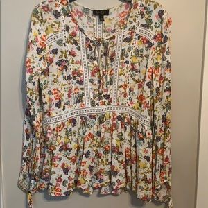 Jessica Simpson Floral and lace detail blouse